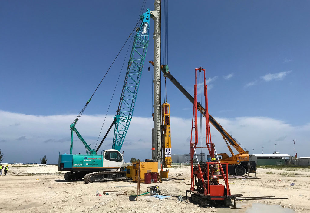 Pile Driving Machines